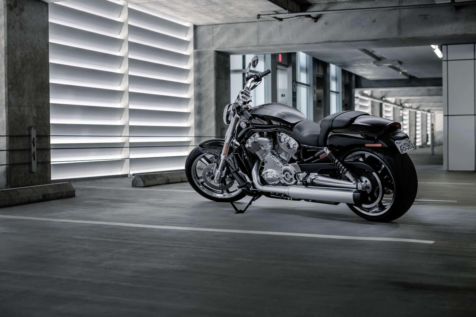 Rod Muscle Harley Davidson V Night 2000x1333