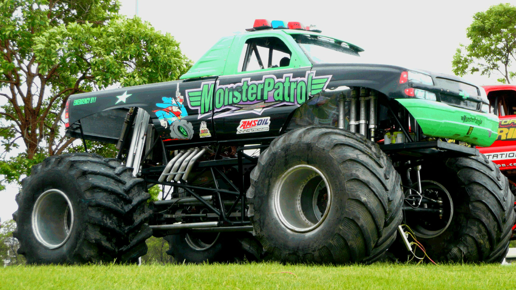 wallpapers of monster trucks wallpapersafari. Black Bedroom Furniture Sets. Home Design Ideas