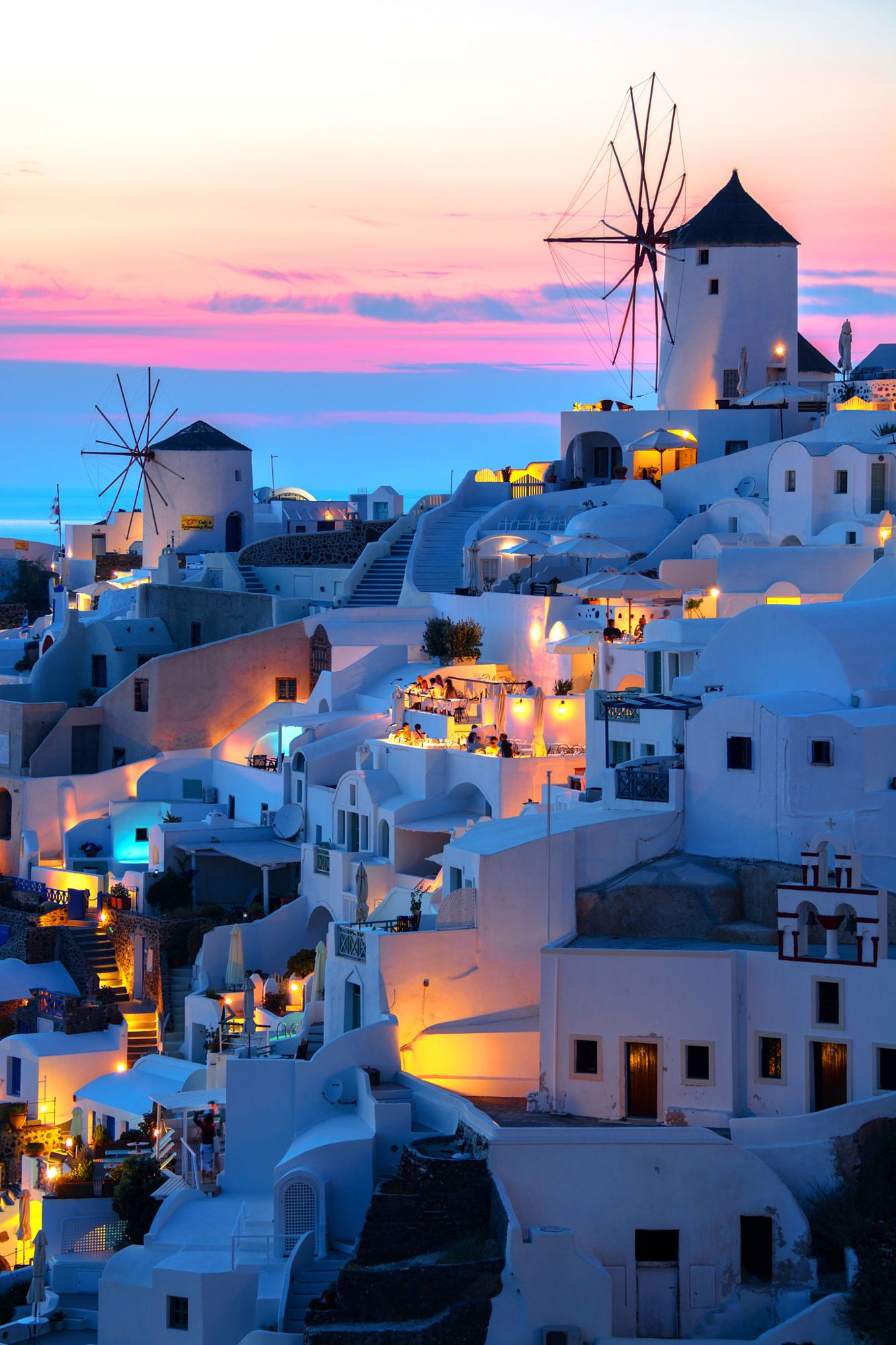 Sunset in Oia Santorini Greece Through Santorinis lovers eyes 1333x2000