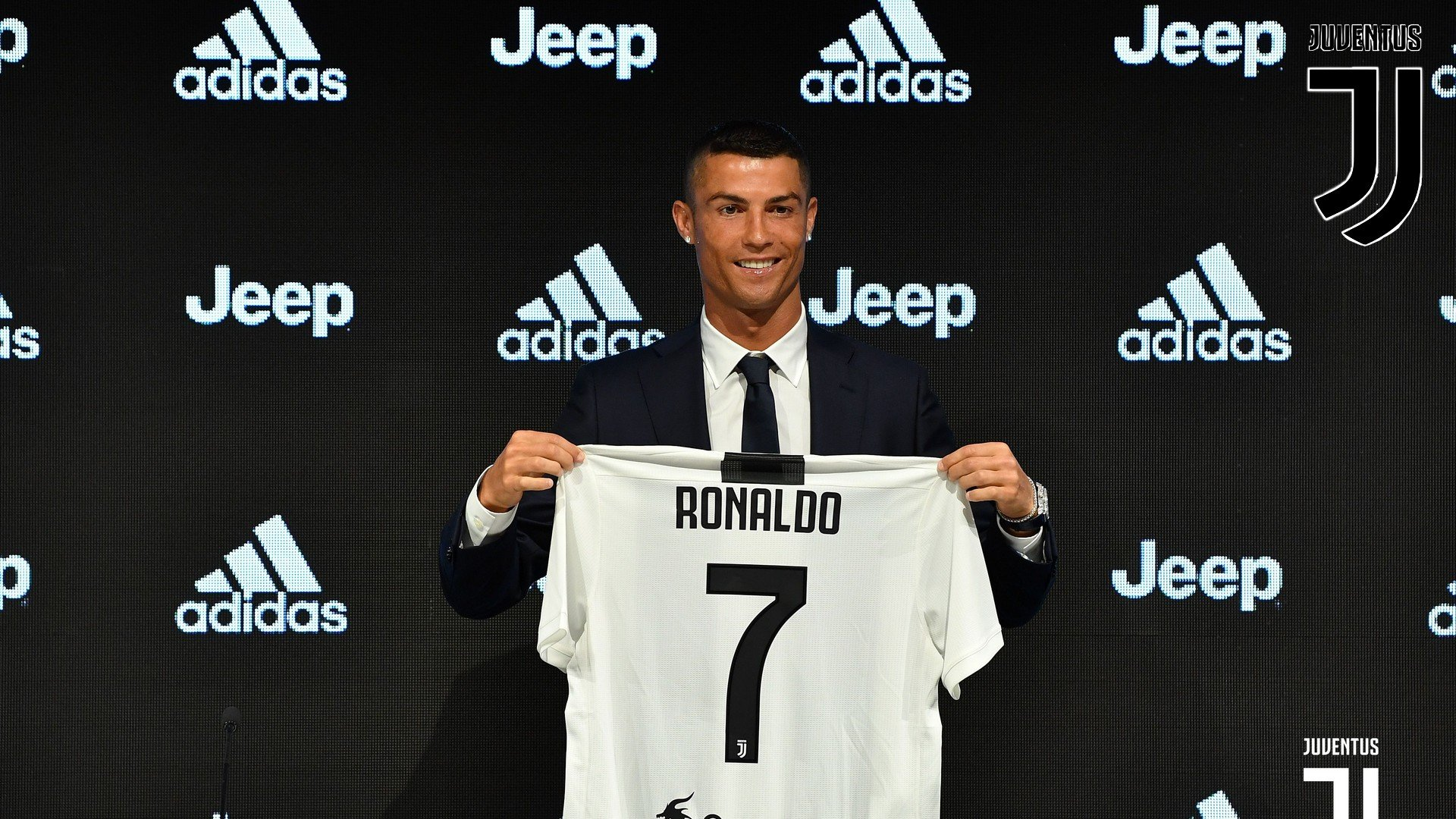 Cristiano Ronaldo Juventus HD Wallpapers 2021 Football Wallpaper 1920x1080
