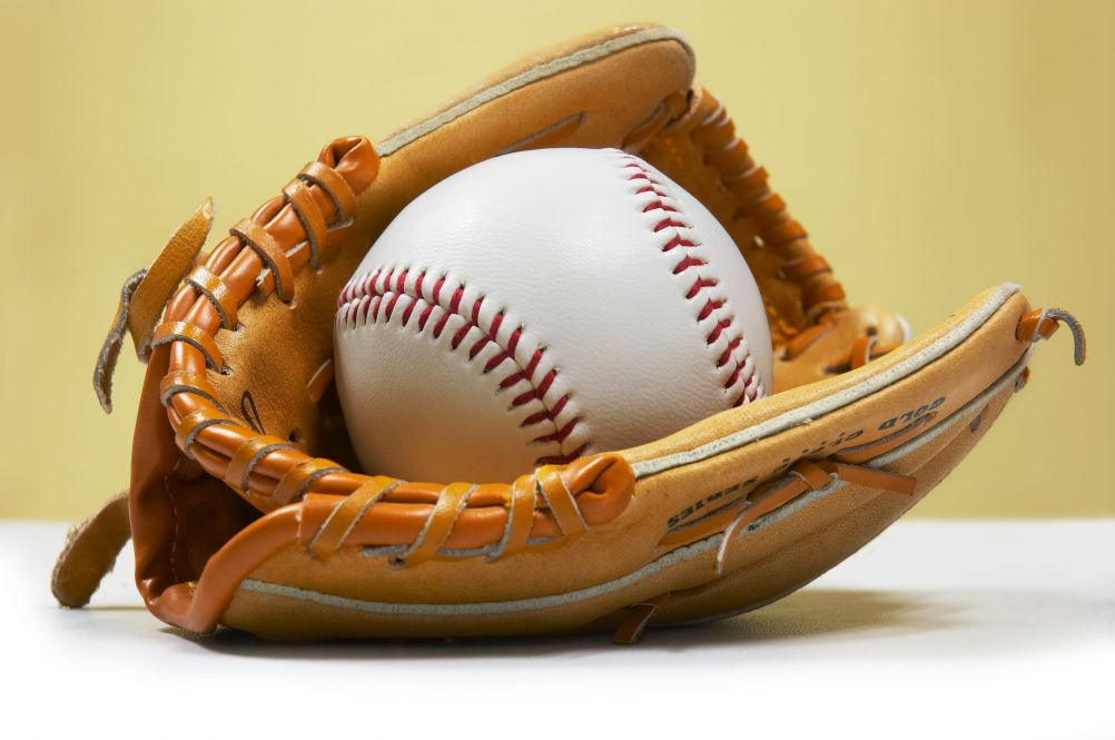 Baseballs   Computer Backgrounds 1002x665