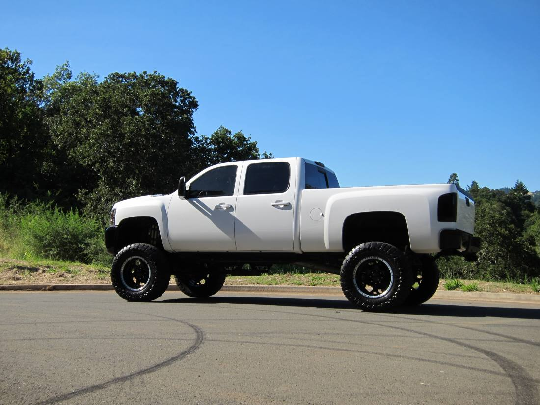 Chevy Trucks Wallpapers Chevy Truck Lifted Wallpaper 1100x825