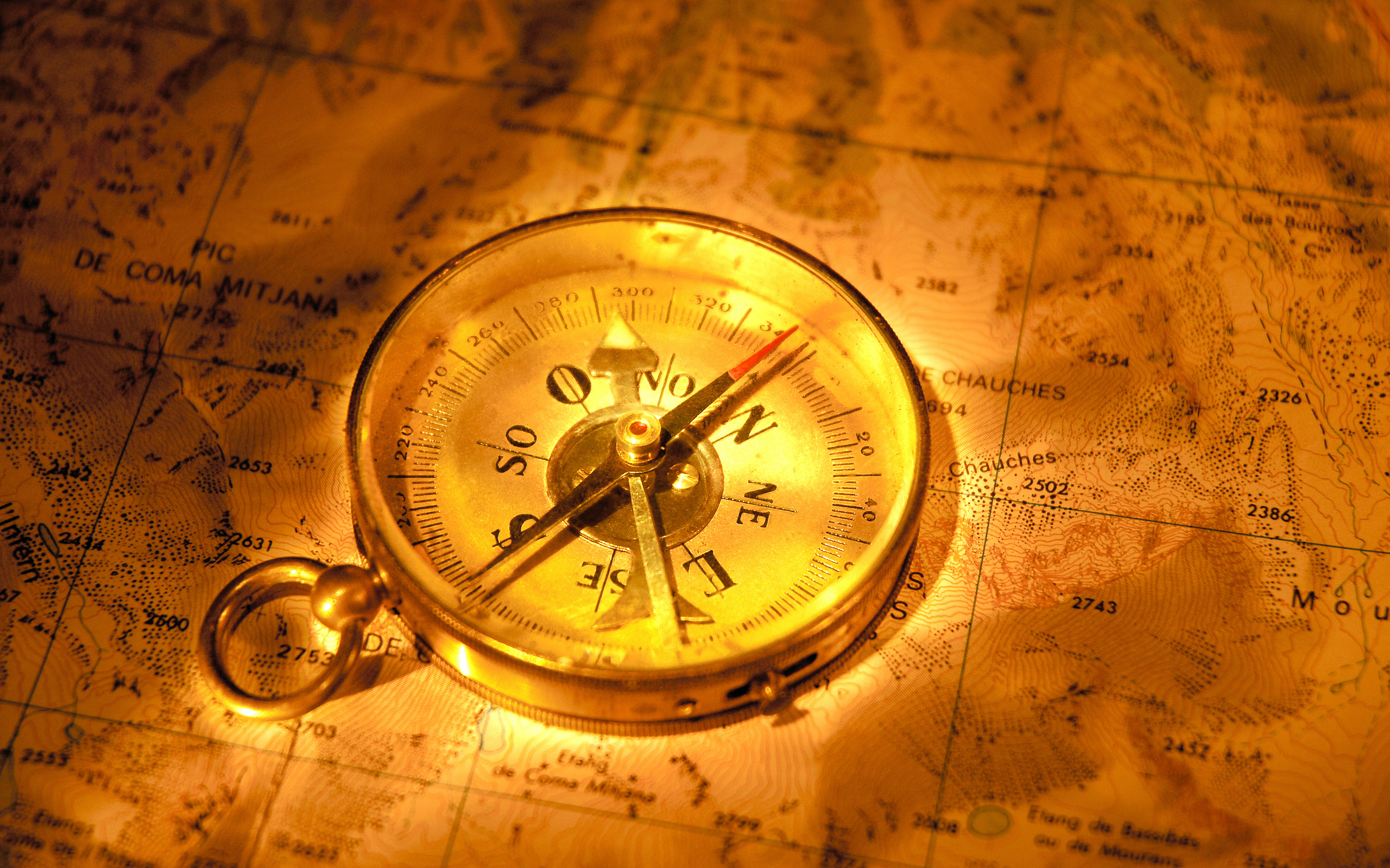 Vintage compass on the map navigator wallpapers and images 2560x1600