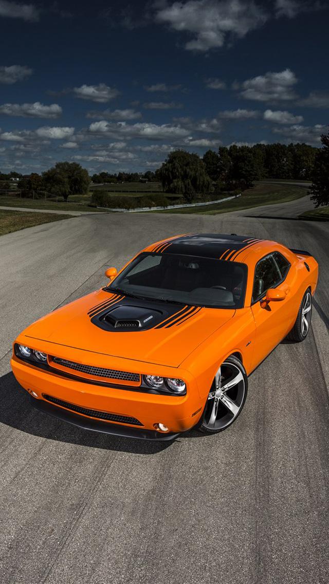 Dodge Challenger 640x1136