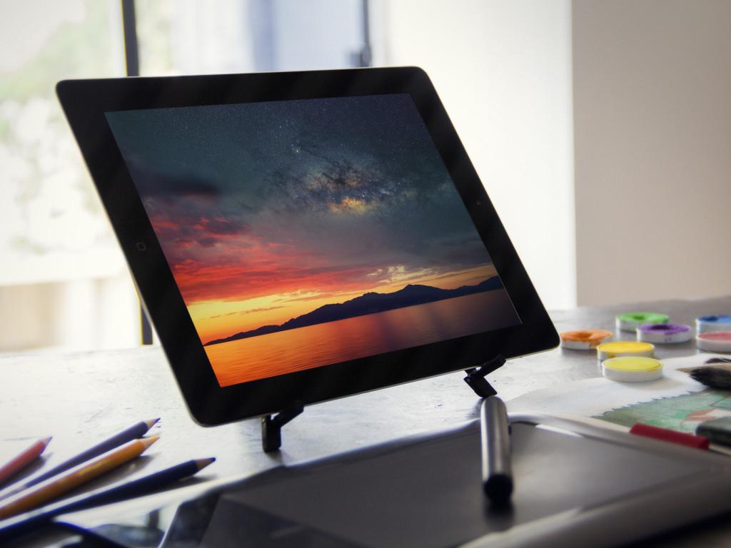 iPad Pro Bold Wallpaper splash 1024x768