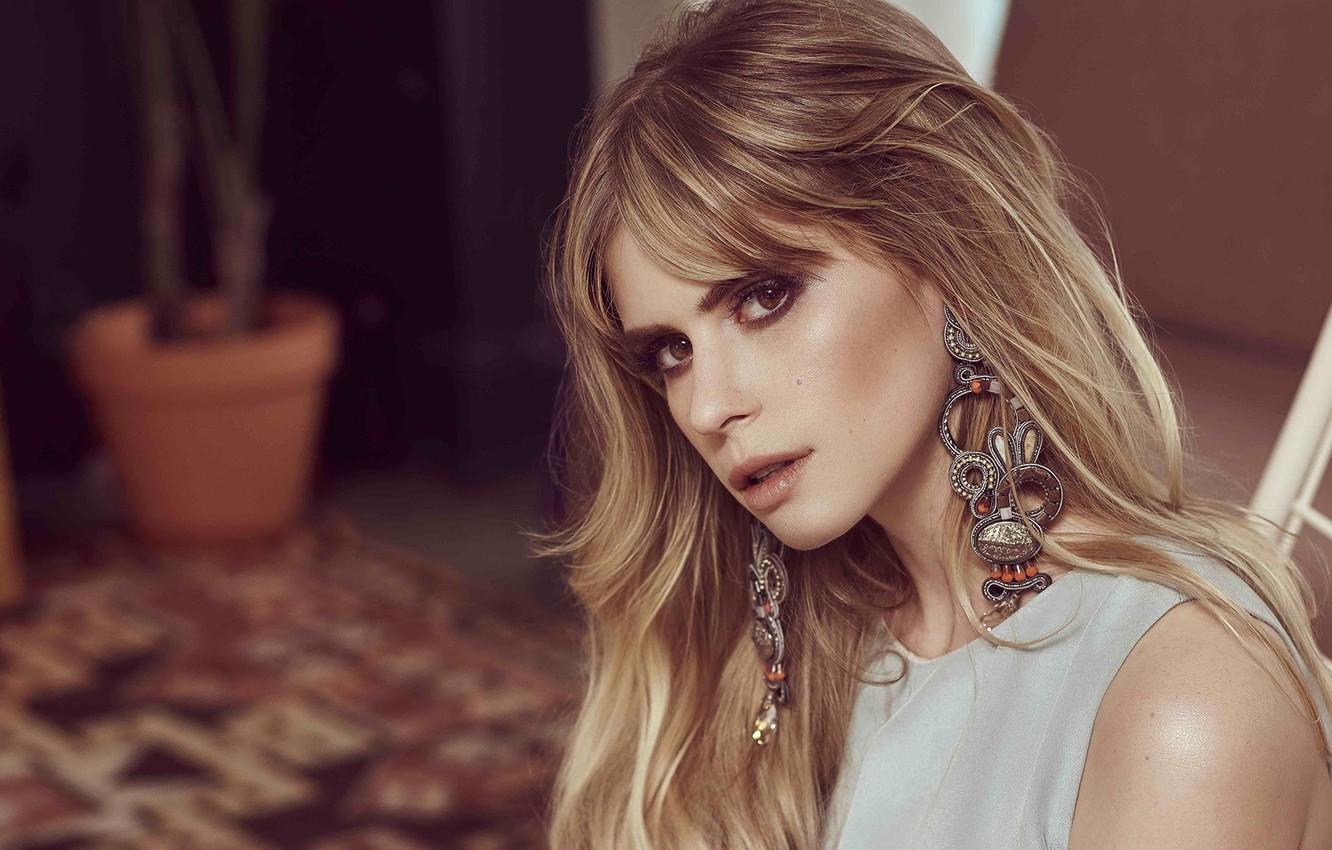 Wallpaper look girl earrings makeup Carlson Young images for 1332x850
