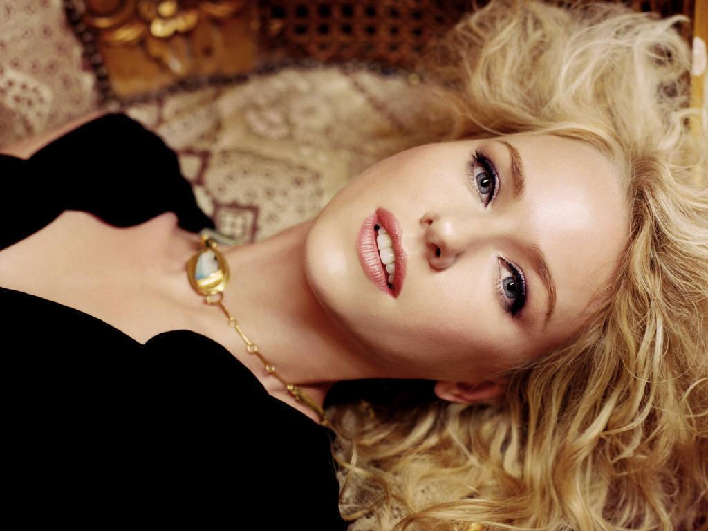 Naomi Watts   Naomi Watts Wallpaper 4894946 1024x768