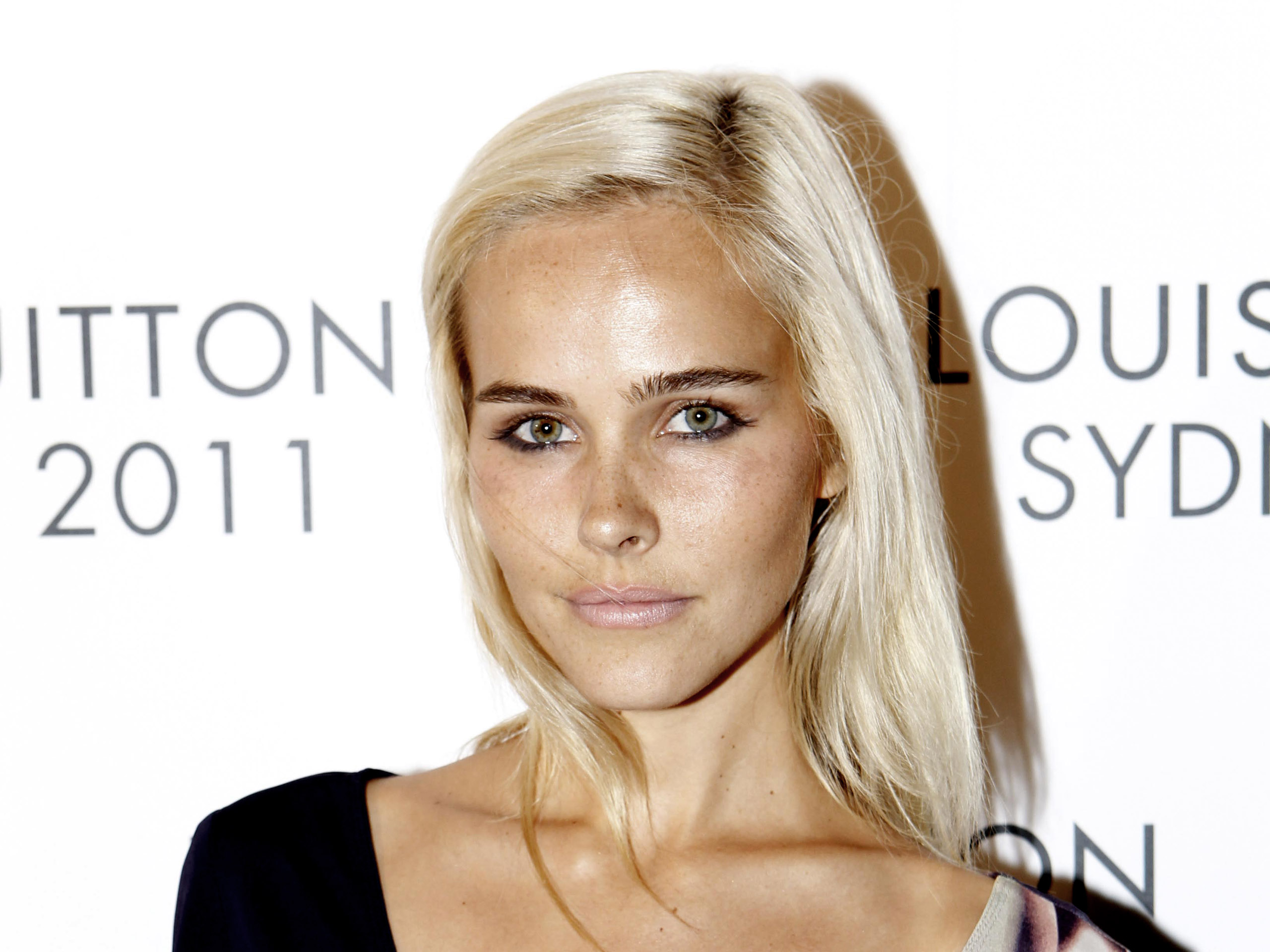 Isabel Lucas Wallpaper Full HD Pictures 2560x1920