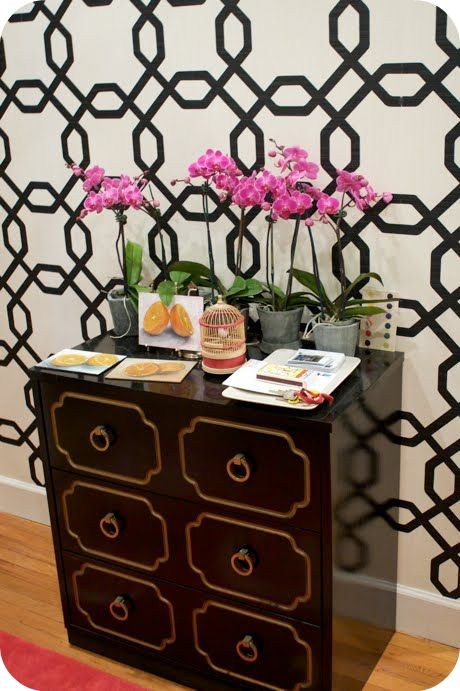 Did you know Sherwin Williams makes EasyChange Wallpaper pictured 460x691