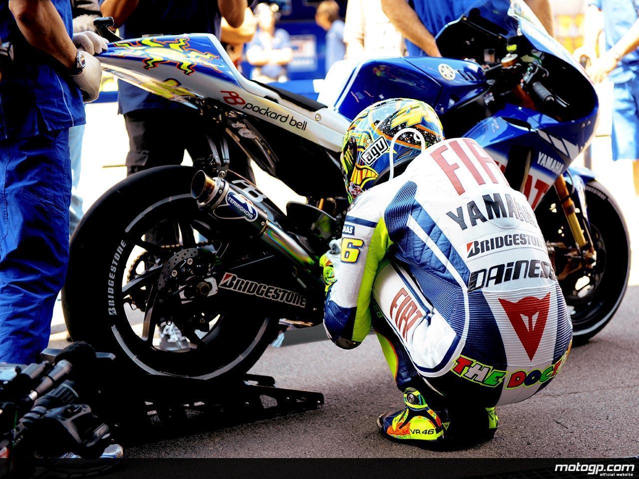 Valentino Rossi Motor Wallpaper 1280x960