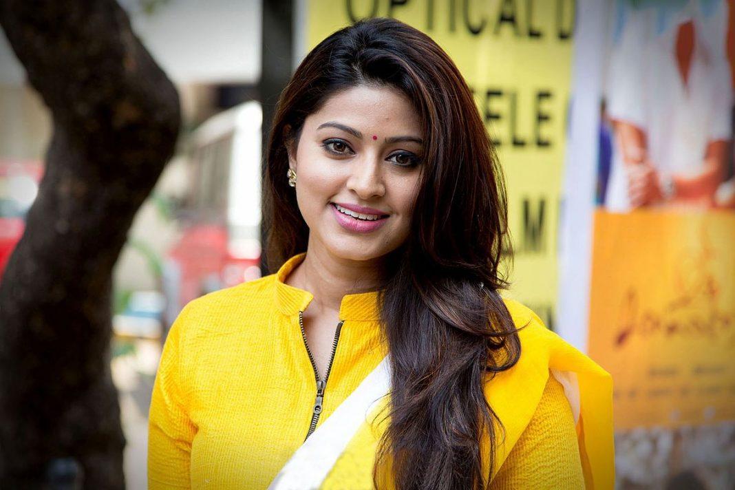 Download Sneha Actress HD Wallpaper TechPandey   A Technology Blog 1068x712