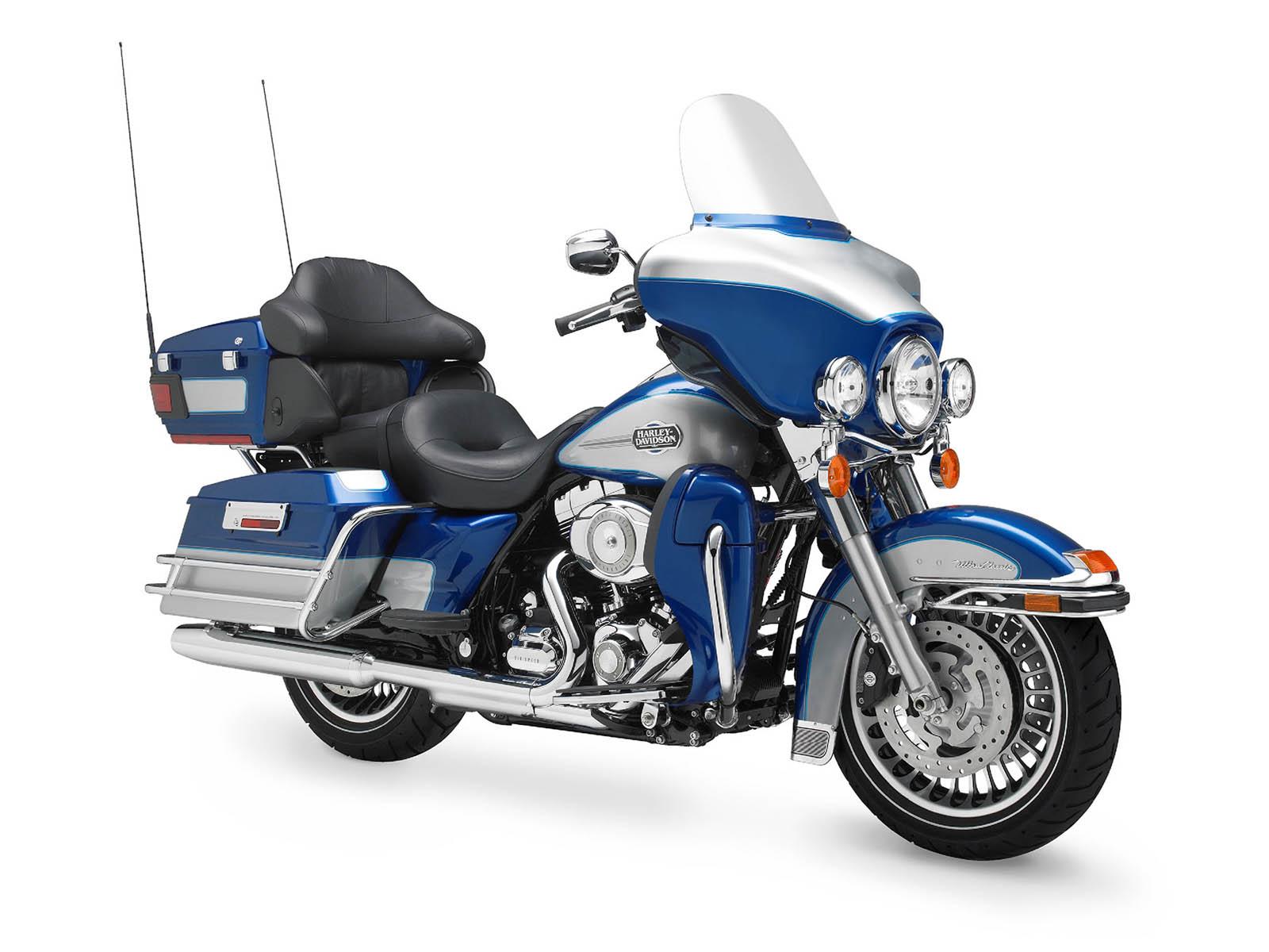 Harley Davidson Ultra Classic Electra Glide FLHTCU Bike Wallpapers 1600x1200