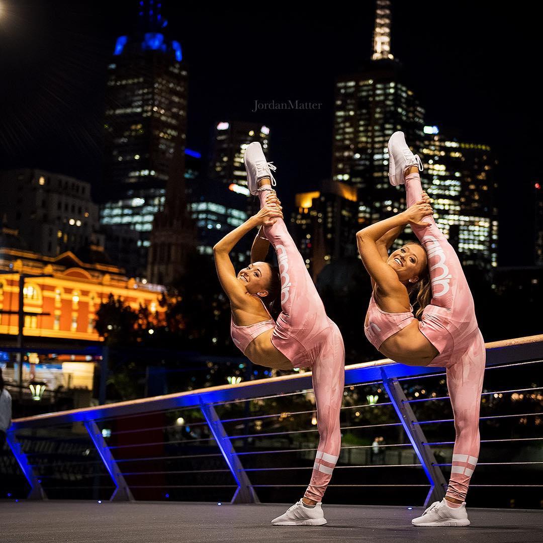 Teagan and Samantha Rybka acrobatic twins with 2 million YouTube 1080x1080
