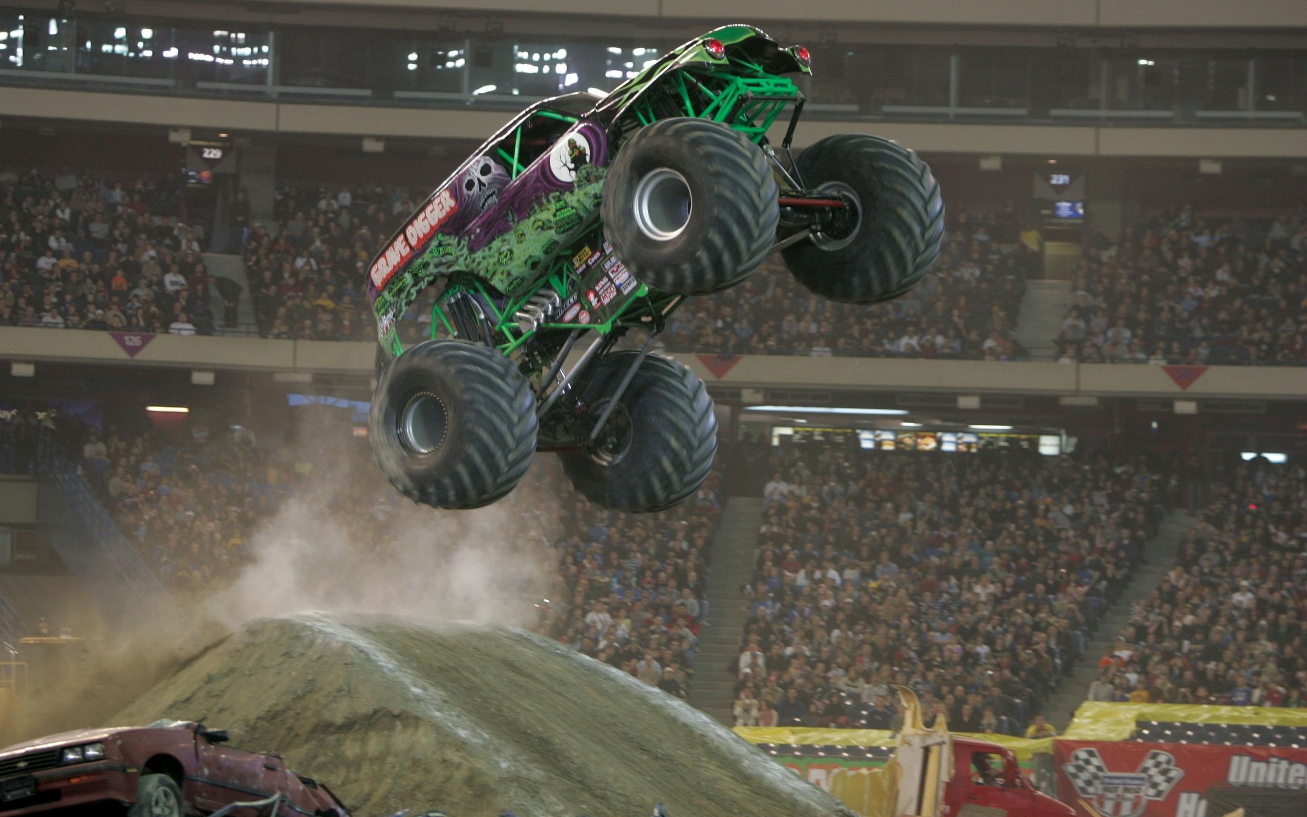 Vehicles   Monster Truck Wallpaper 2560x1600