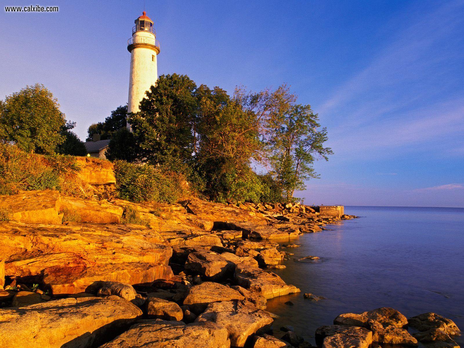 Nature Point Aux Barques Lighthouse Port Austin Michigan picture nr 1600x1200