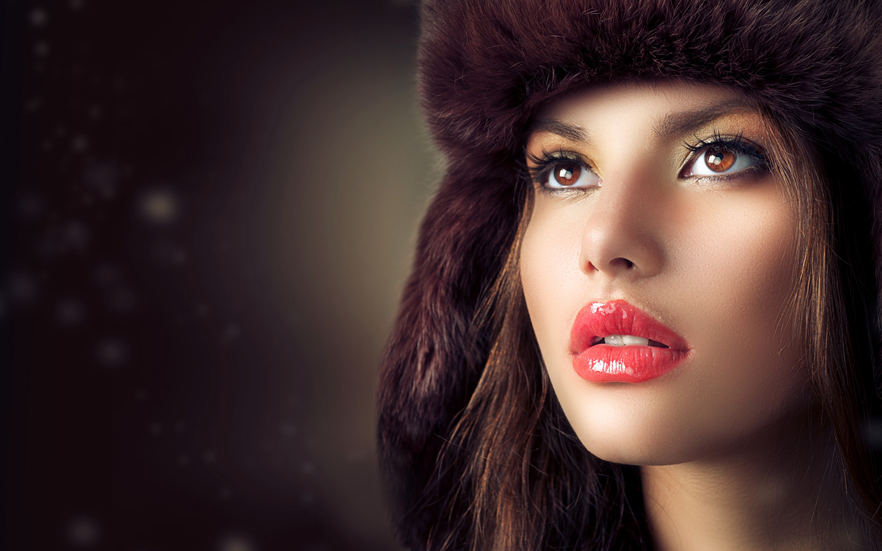 Beauty Fashion Model Girl With Hat HD Wallpaper 2880x1800
