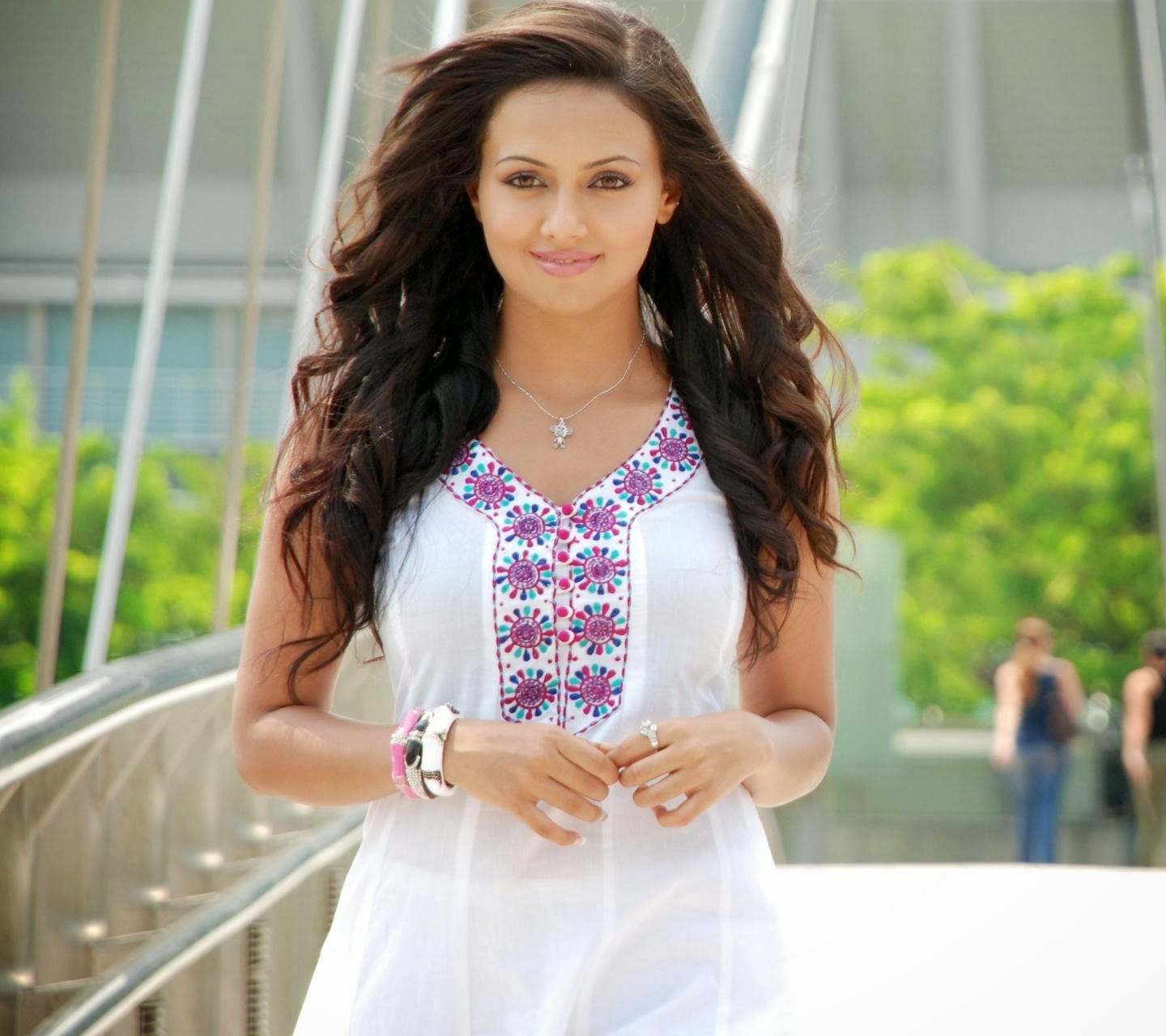 Amazing Sana Khan Beautiful Look Mobile Desktop Hd Background 1440x1280