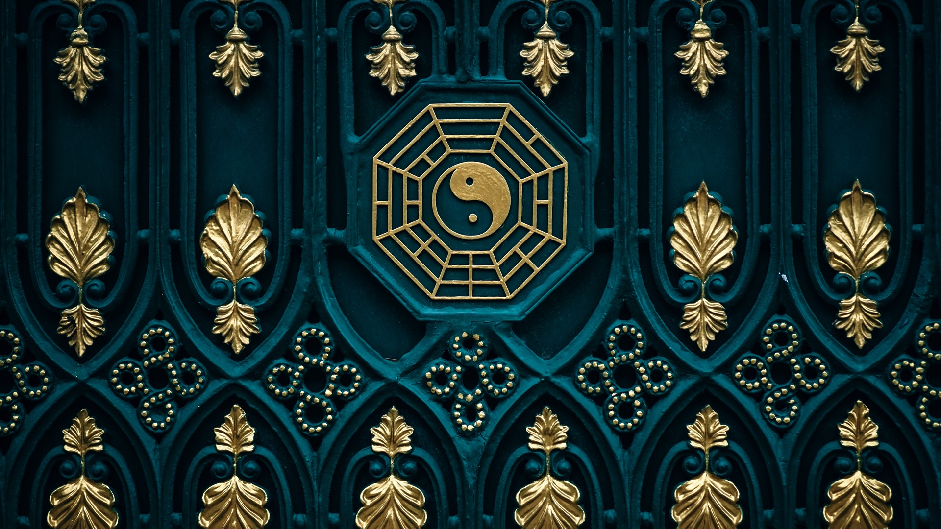 Wallpaper Bagua map yin yang door 5120x2880 UHD 5K Picture Image 1920x1080
