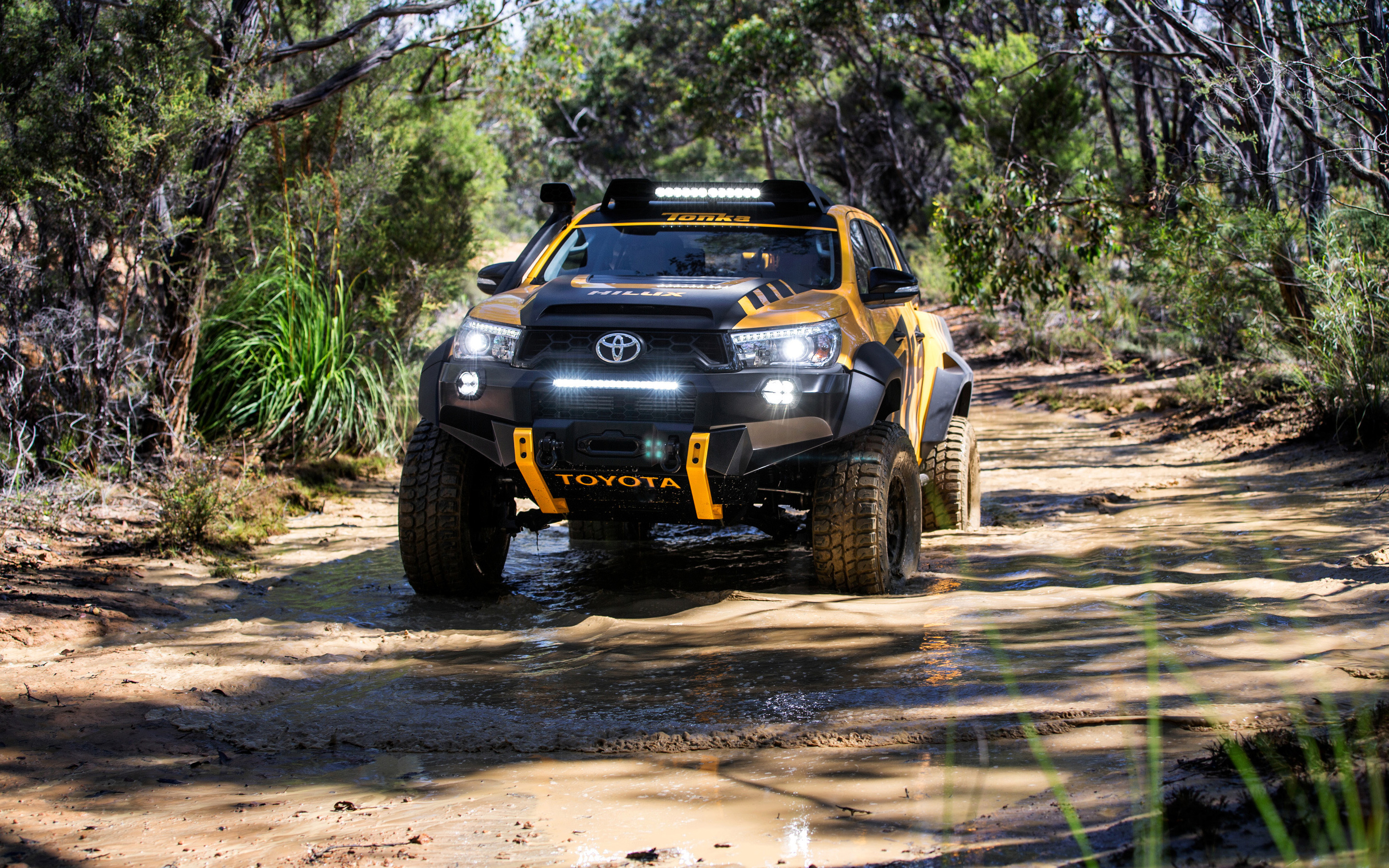 Concept Toyota Hilux   Toyota Hilux 504242   HD Wallpaper Download 2880x1800