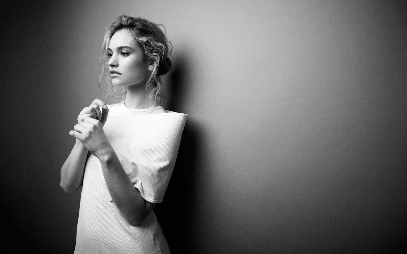 on October 5 2015 By admin Comments Off on Lily James Wallpaper 1680x1050
