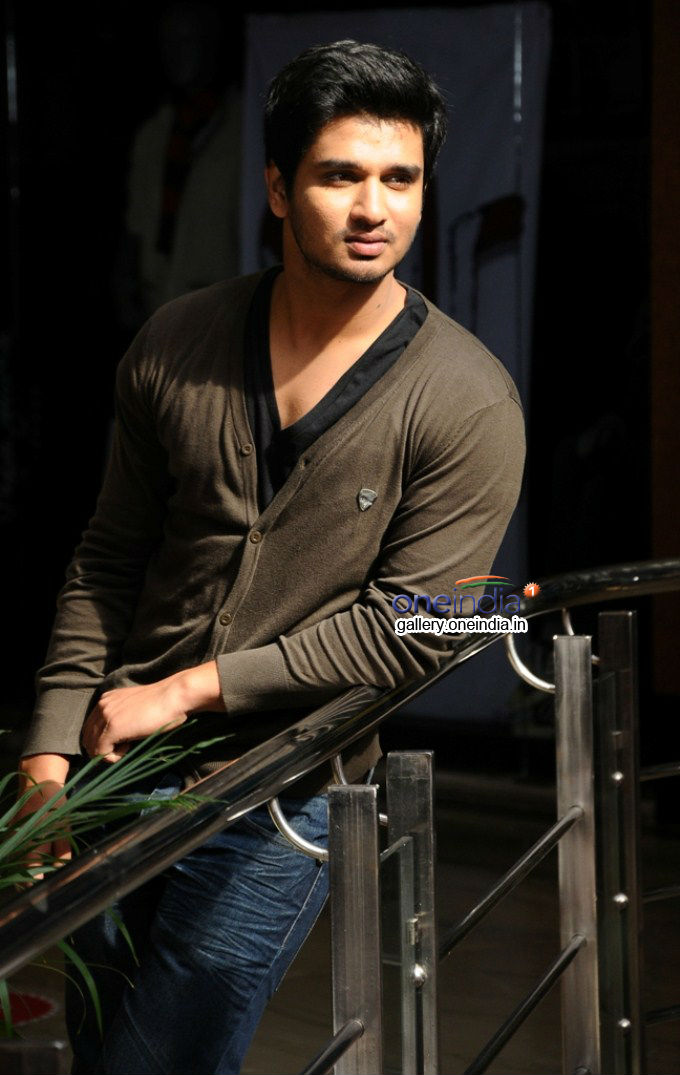 Karthikeya Photos HD Images Pictures Stills First Look Posters 680x1075