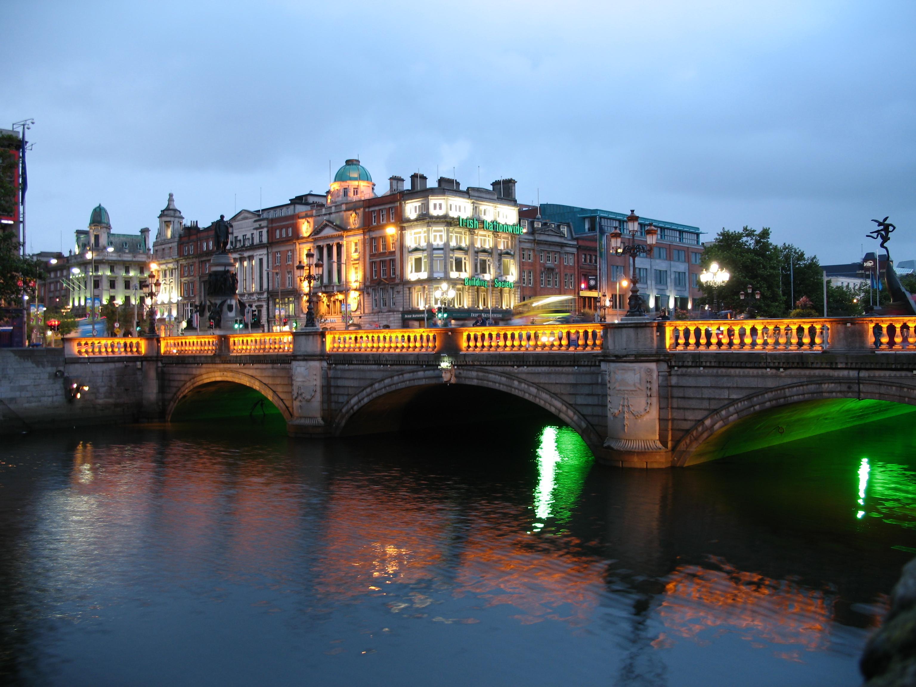 Dublin Ireland At Night Wallpaper 3072 x 2304 Wallpaper 3072x2304