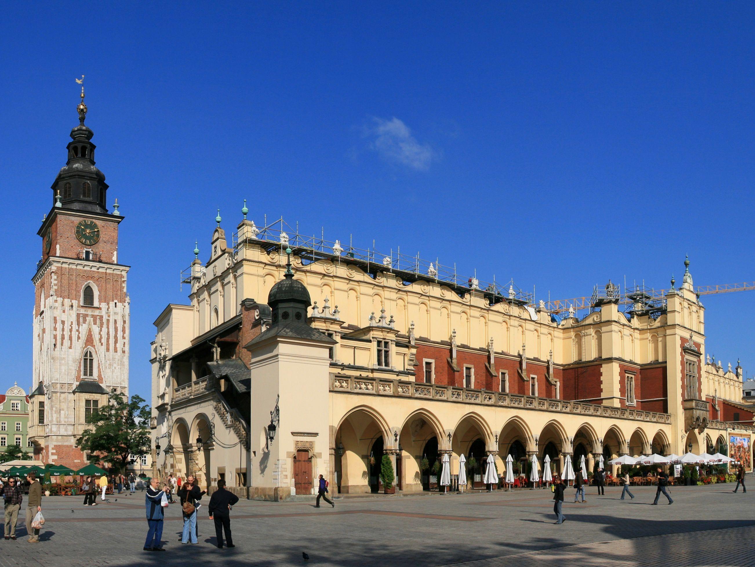 Krakow Computer Backgrounds 2605x1955