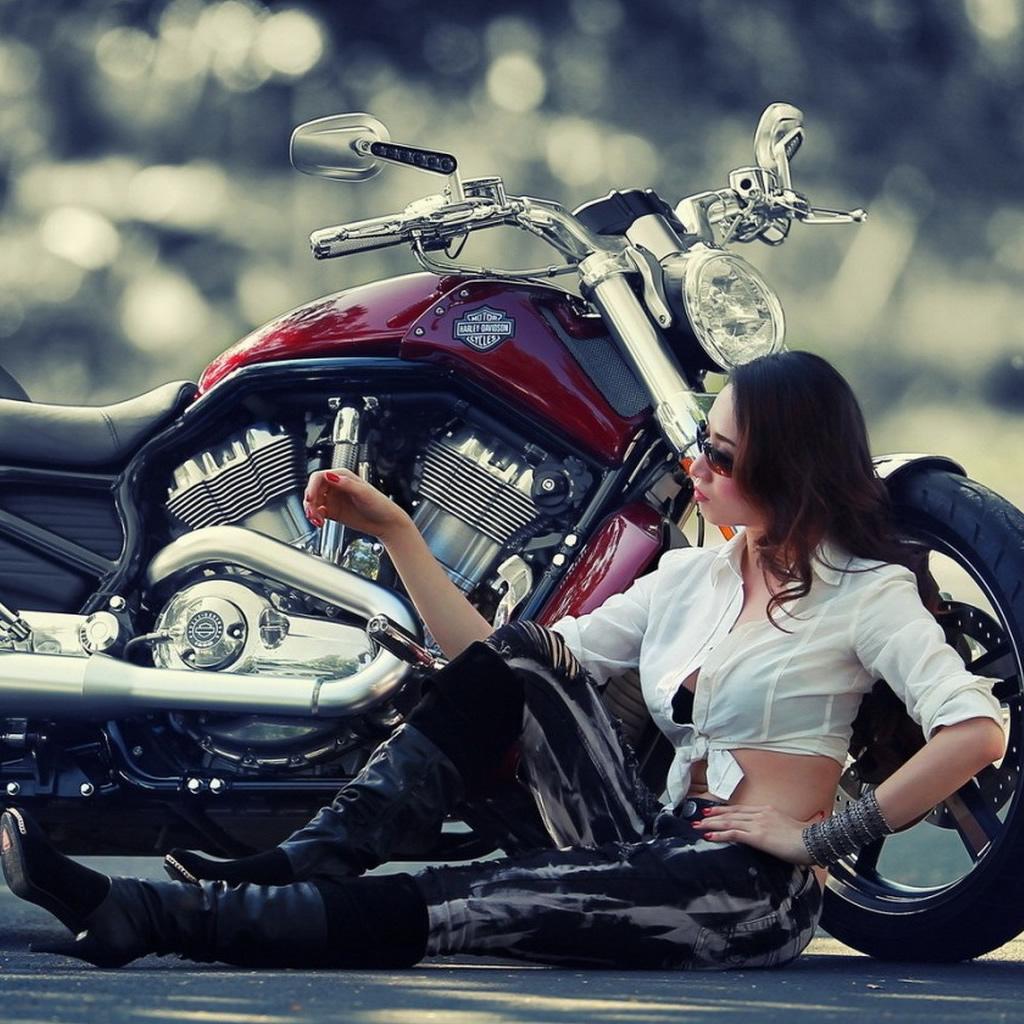 Motorcycle Girl Wallpaper 1024x1024