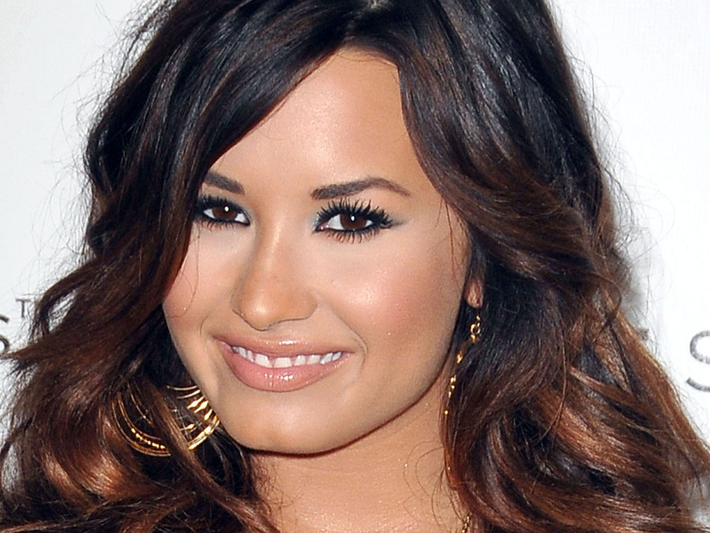 Demi Lovato Demi Wallpaper 1024x768