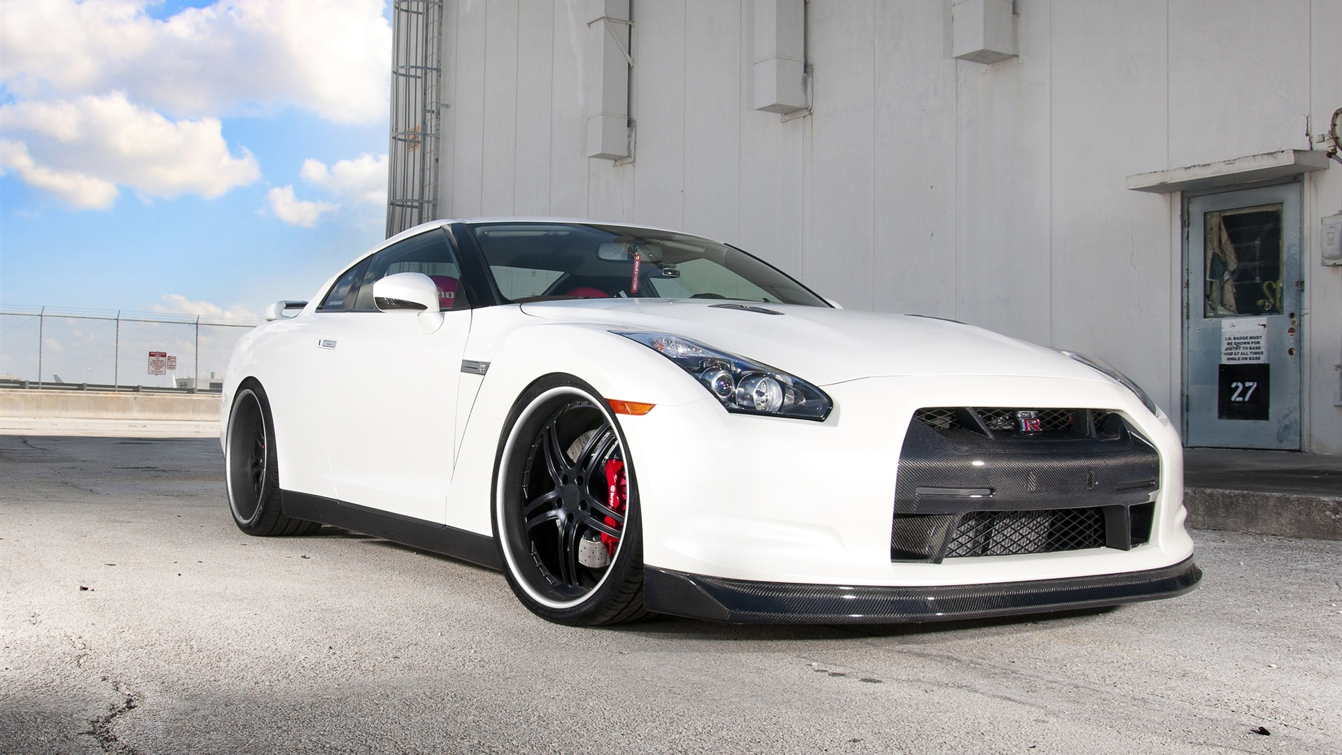 Nissan GTR R35 White Car   High Definition Wallpapers   HD wallpapers 1920x1080