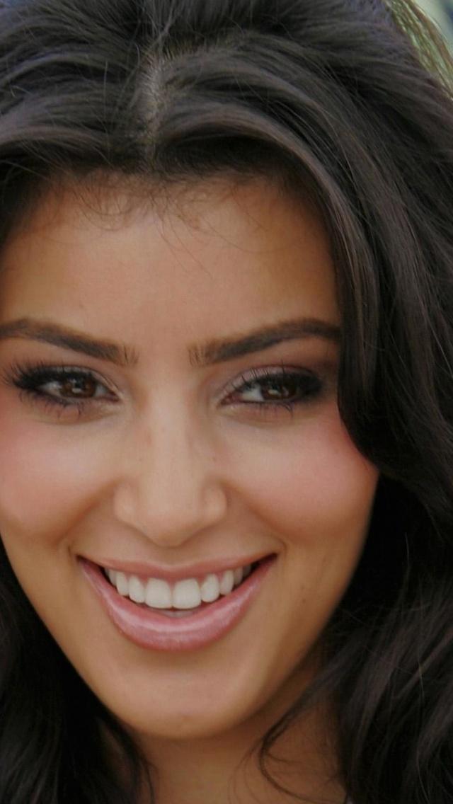 640x1136 Kim Kardashian Close up Iphone 5 wallpaper 640x1136