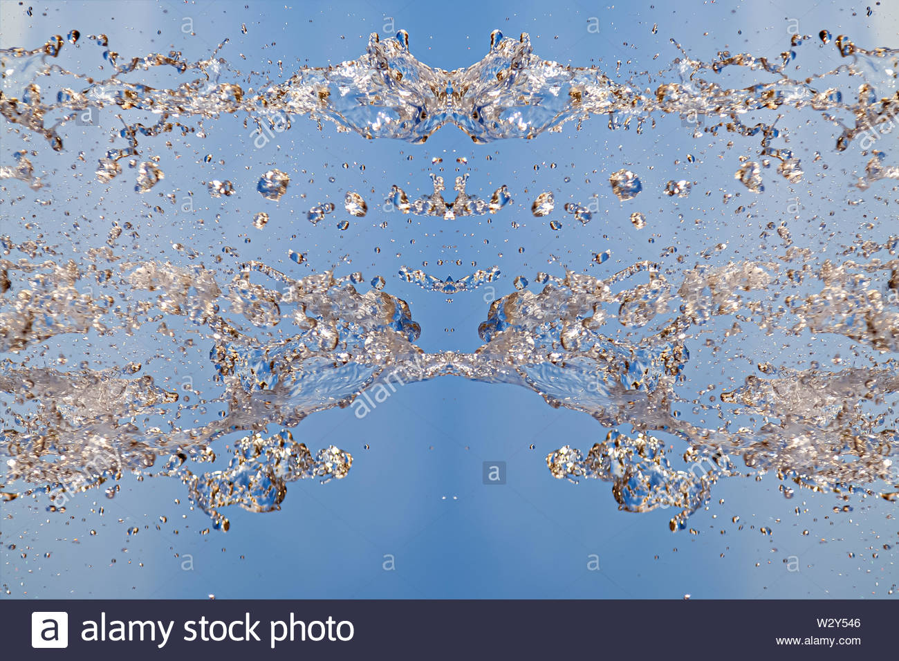 Symmetrical pattern of stopped water droplets with transparent 1300x956