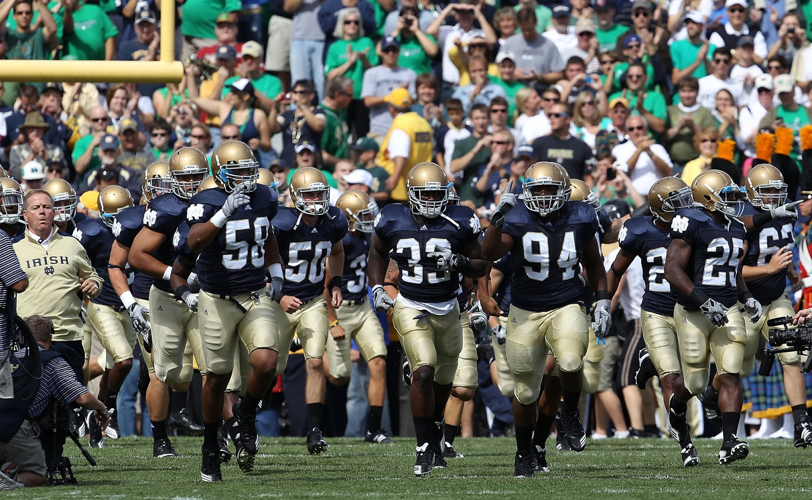 Notre Dame Football Wallpapers Hd Wallpapers 1600x986