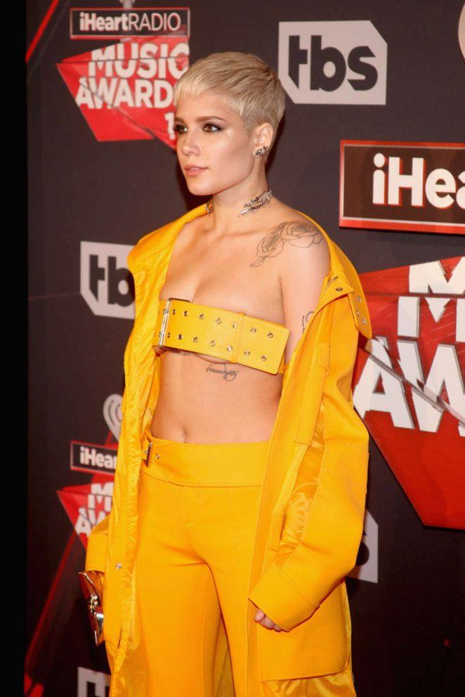 Halsey   2017 iHeartRadio Music Awards in Los Angeles 662x992
