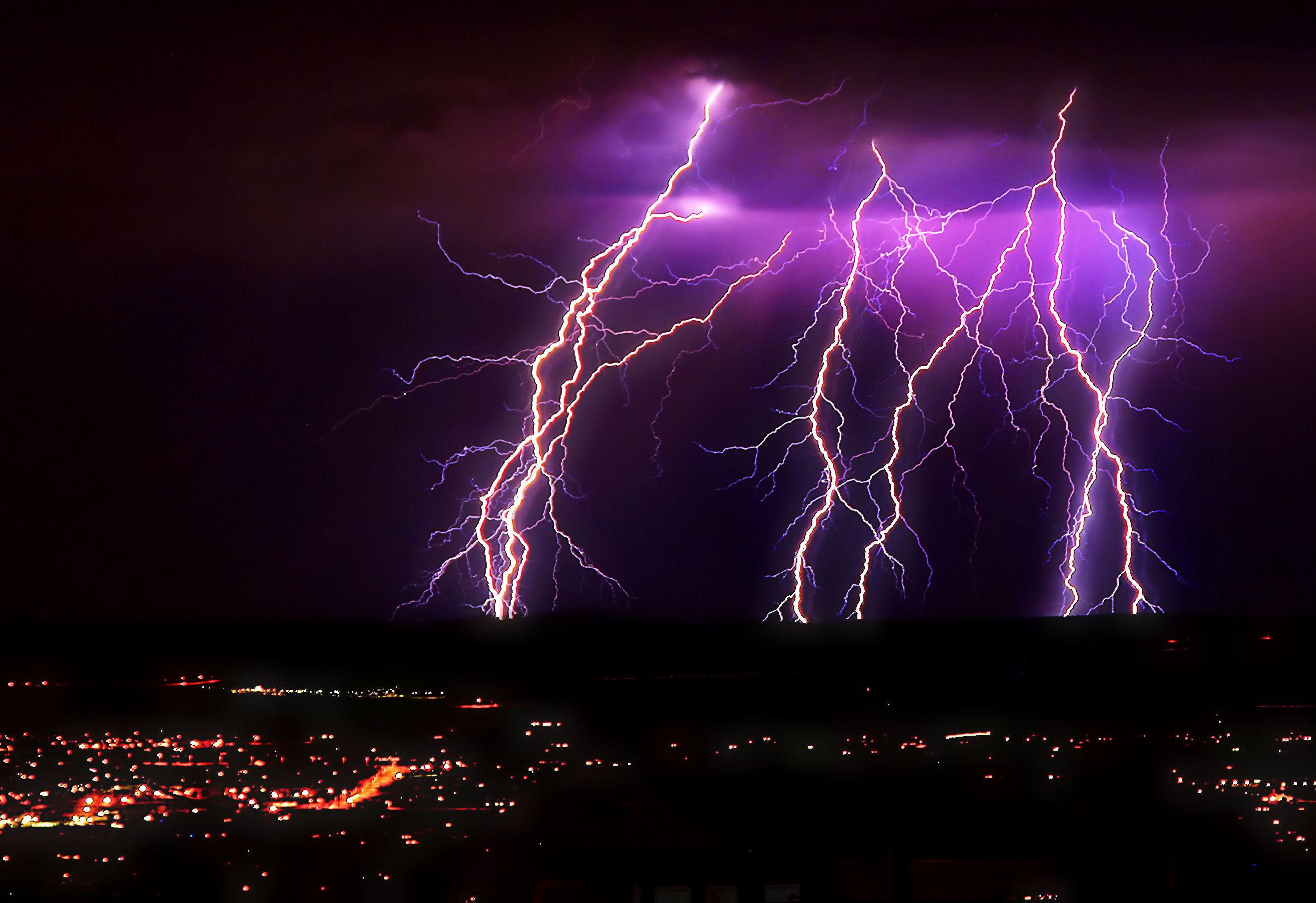 Impressive Lightning Storms for your Desktop Wallpaper Thomas Craig 2634x1808