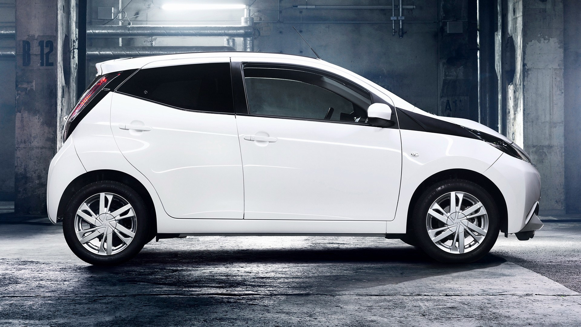 Toyota Aygo X Play 5 Door 2014 Wallpapers And Hd Images Acura Us 1920x1080