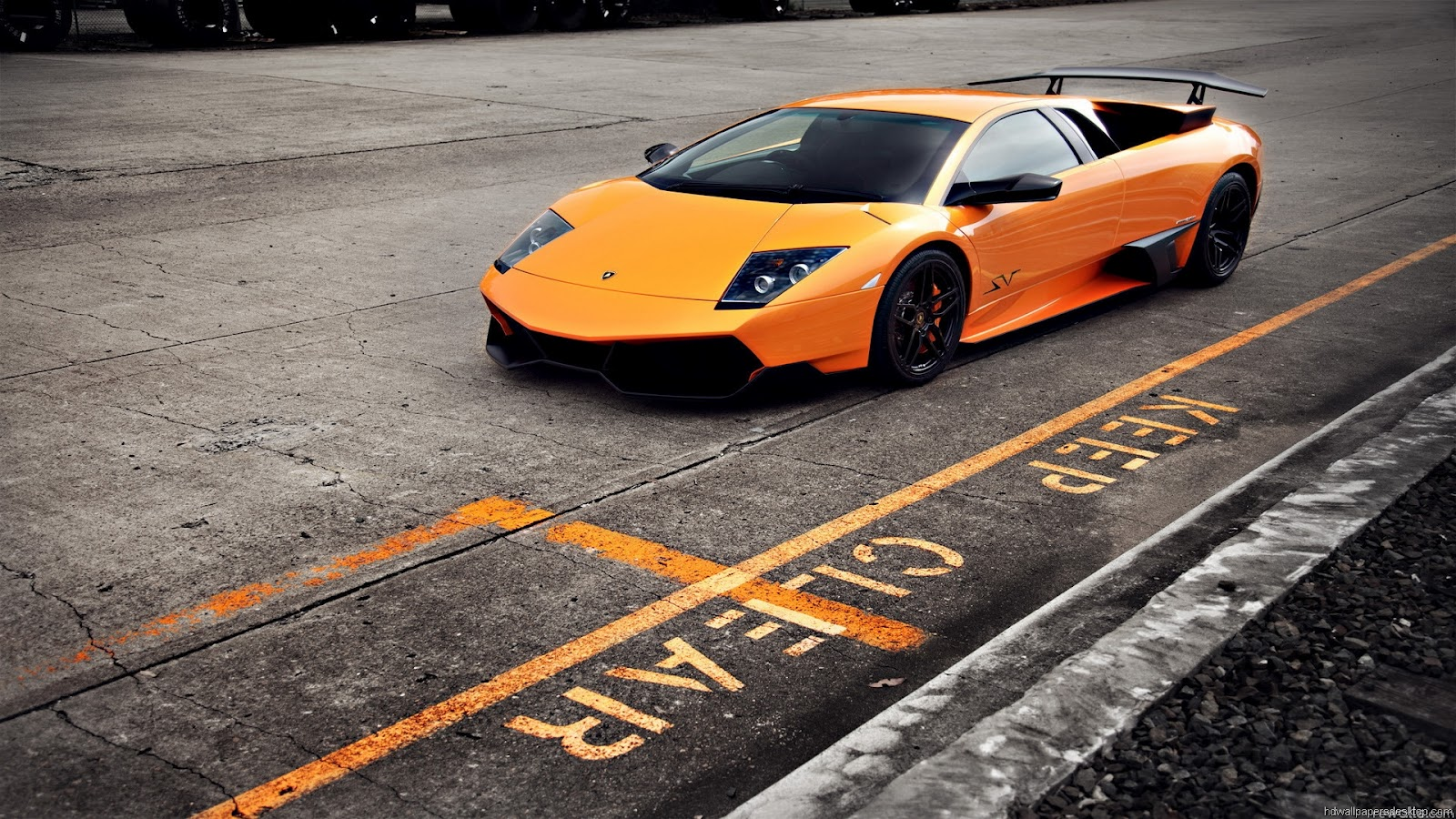 HIGH DEFINITION 1080p wallpapers of Lamborghini 1600x900
