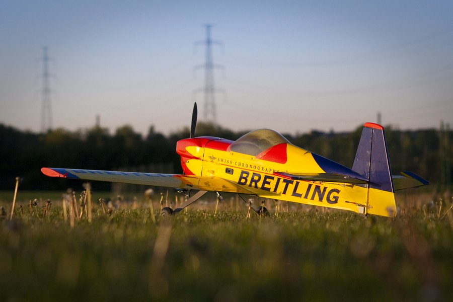 Image Name Breitling RC plane by Schmidt 900x600