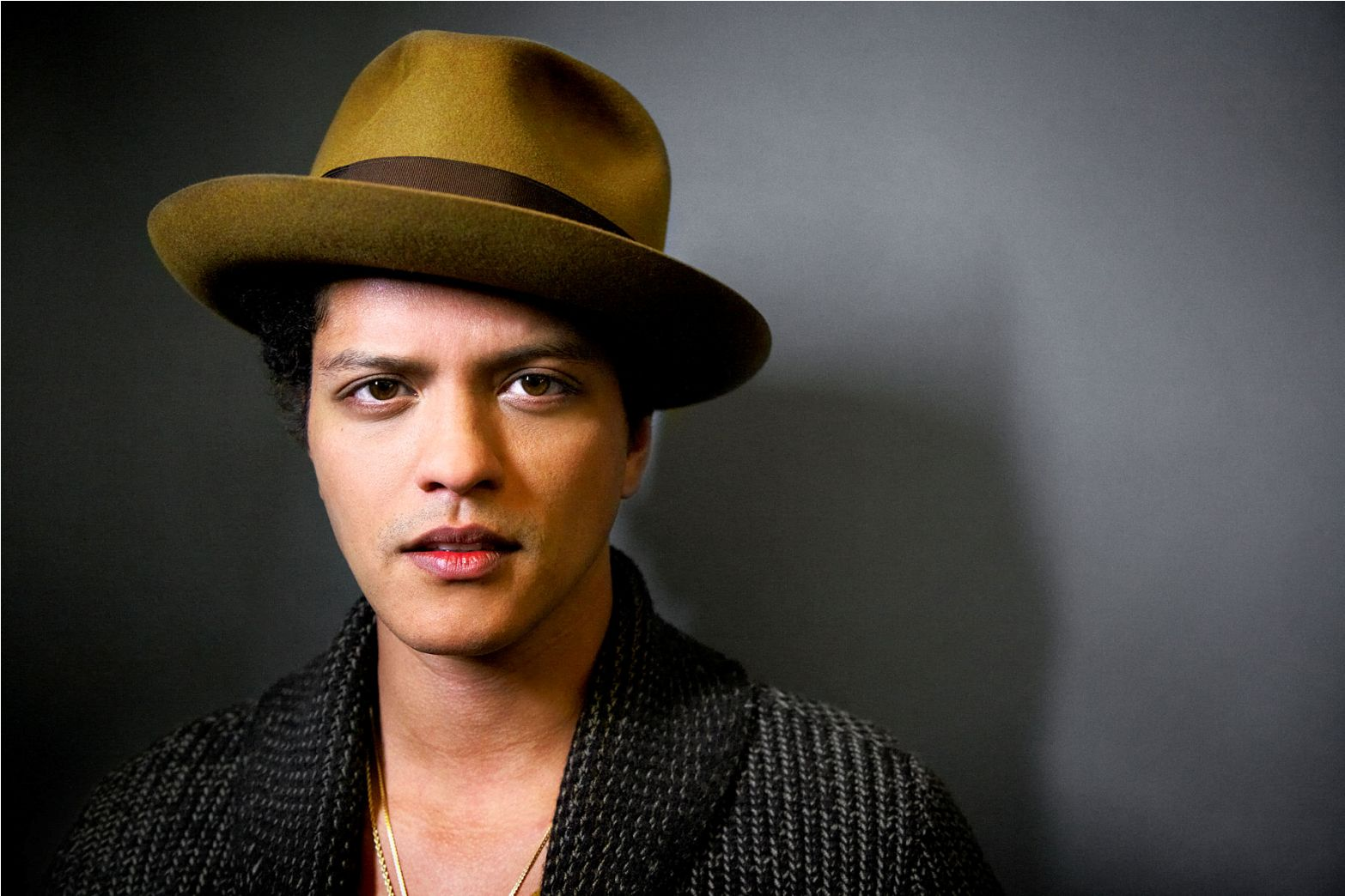 Bruno Mars Wallpapers HD Backgrounds Images Pics Photos 1566x1044