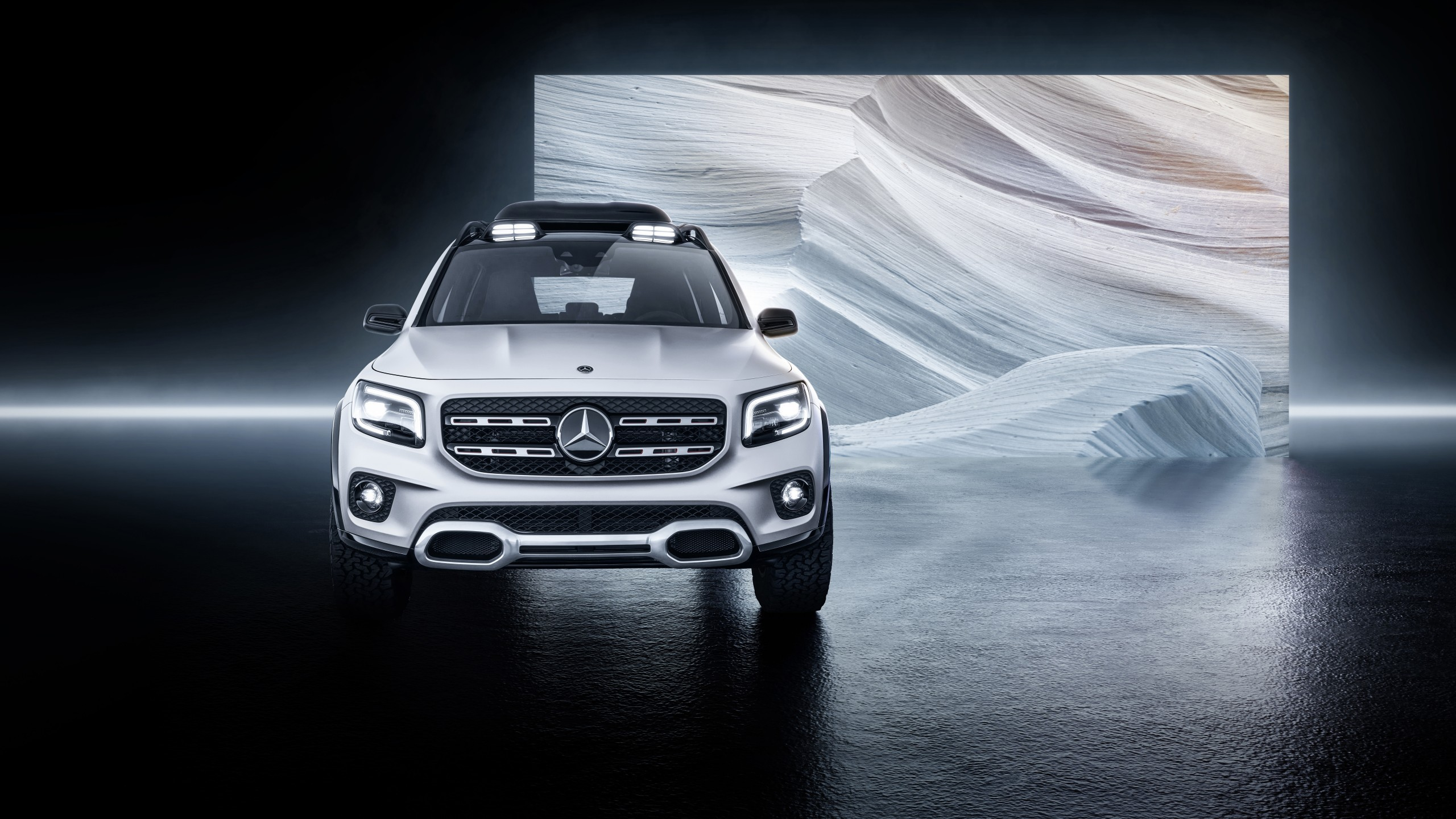 Download 2560x1440 Mercedes benz Glb Class Suv Cars White Front 2560x1440