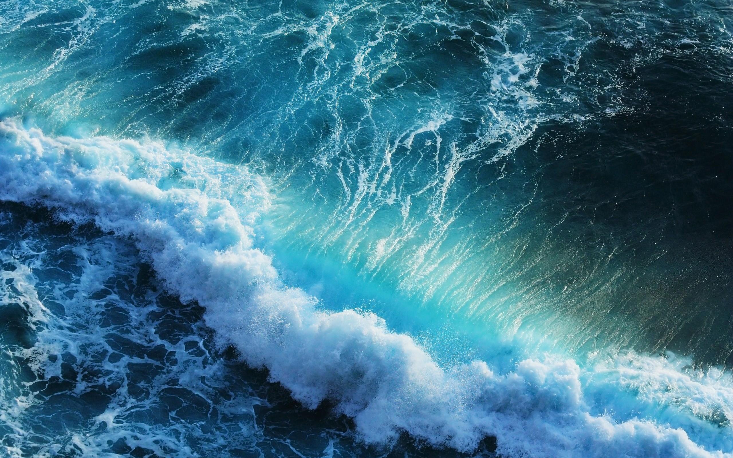 2560x1600 Blue Ocean Waves desktop PC and Mac wallpaper 2560x1600