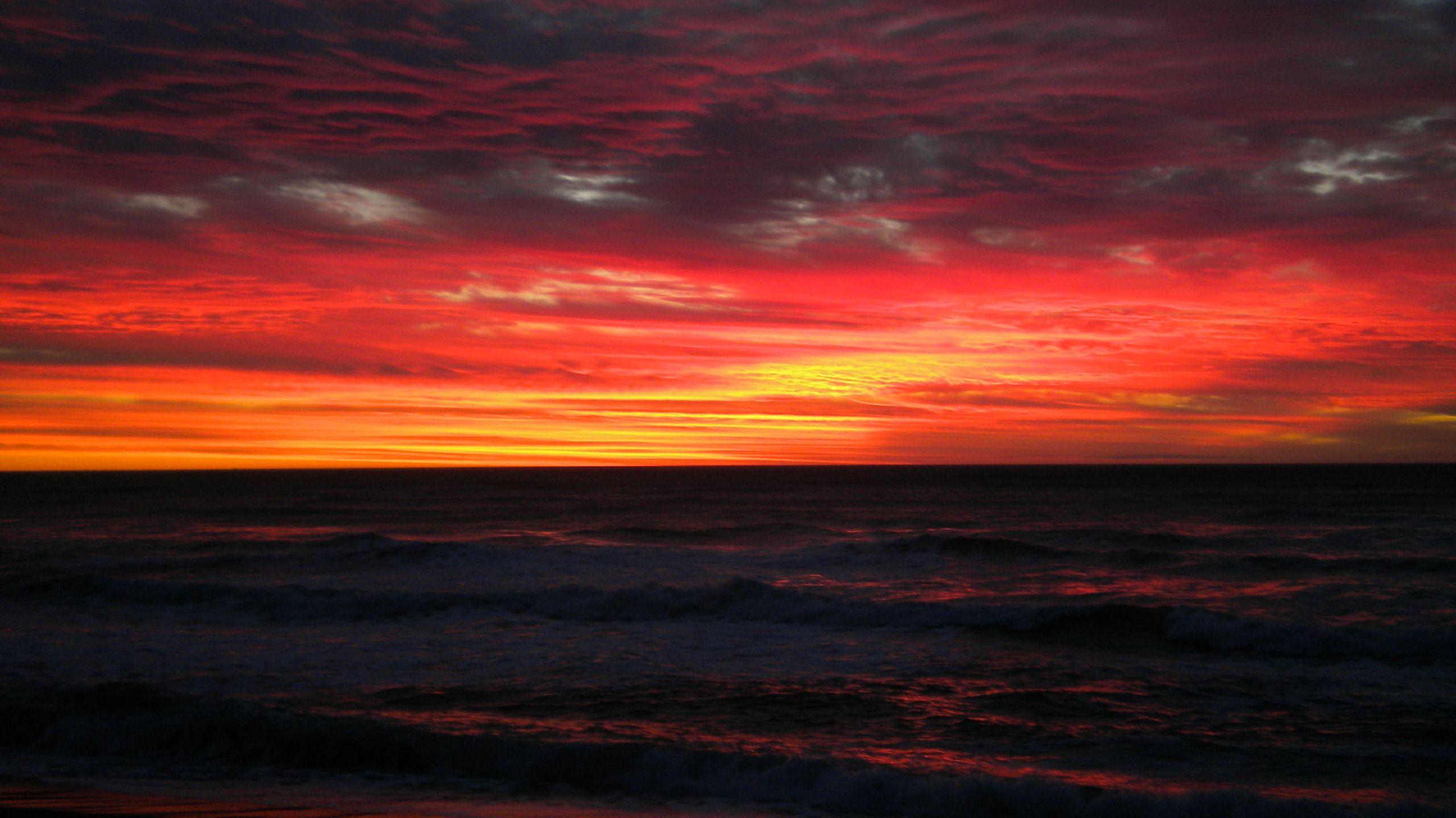 BOTPOST] Sunset over Punakaiki New Zealand No effects no filters 2560x1440