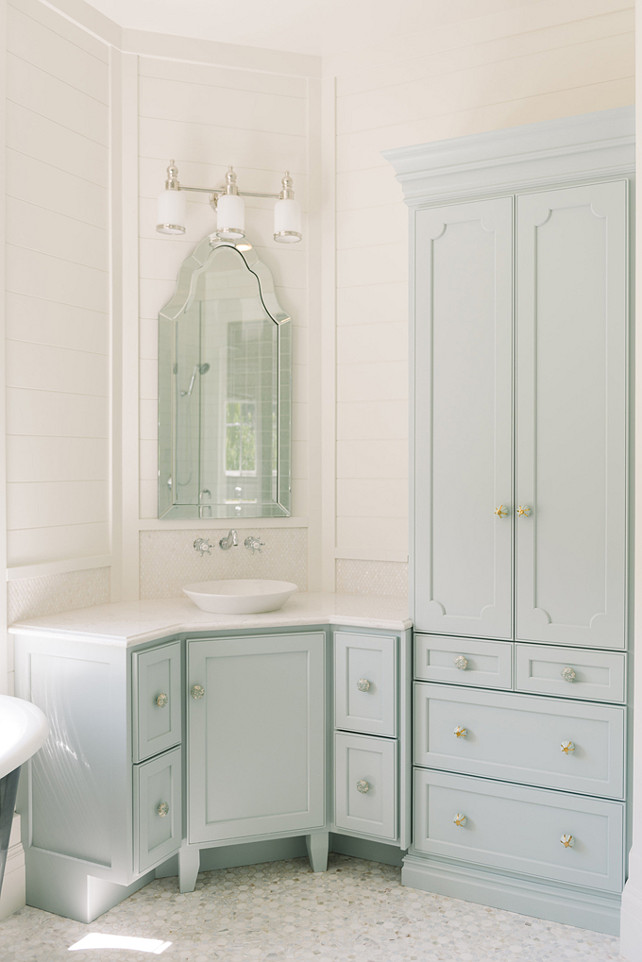 Download  17 Benjamin Moore Blue cabinet paint color is Woodlawn 642x962
