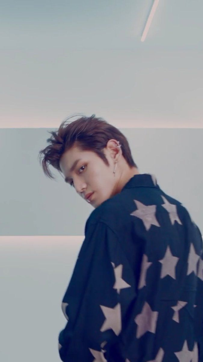 taeyong NCT 2018 Yearbook behind the scenes wallpaper Taeyong 675x1200