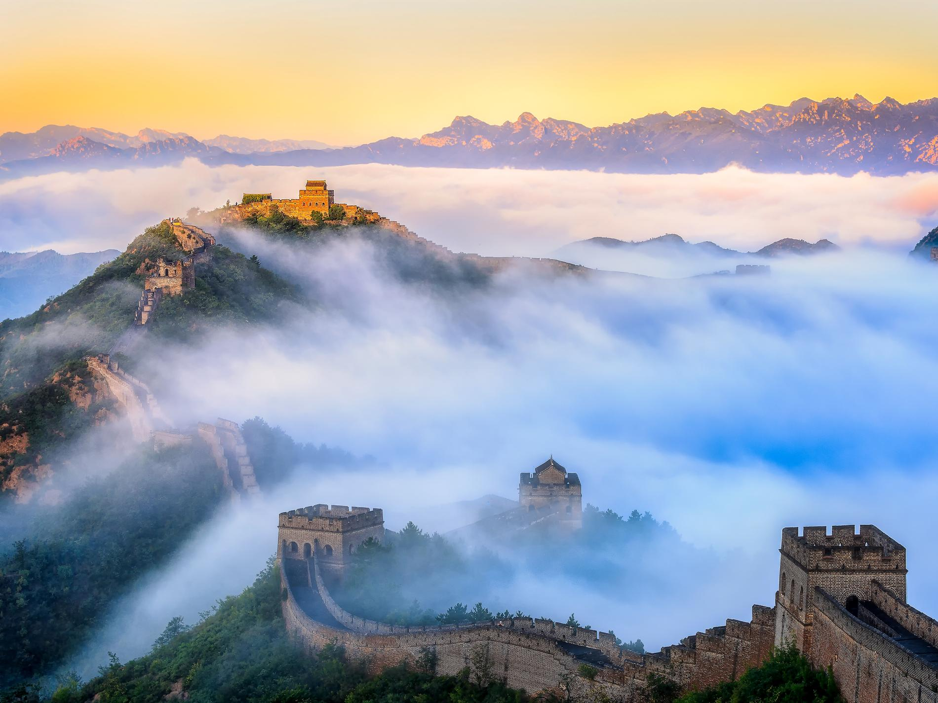Great Wall of China UNESCO World Heritage Site 1900x1425