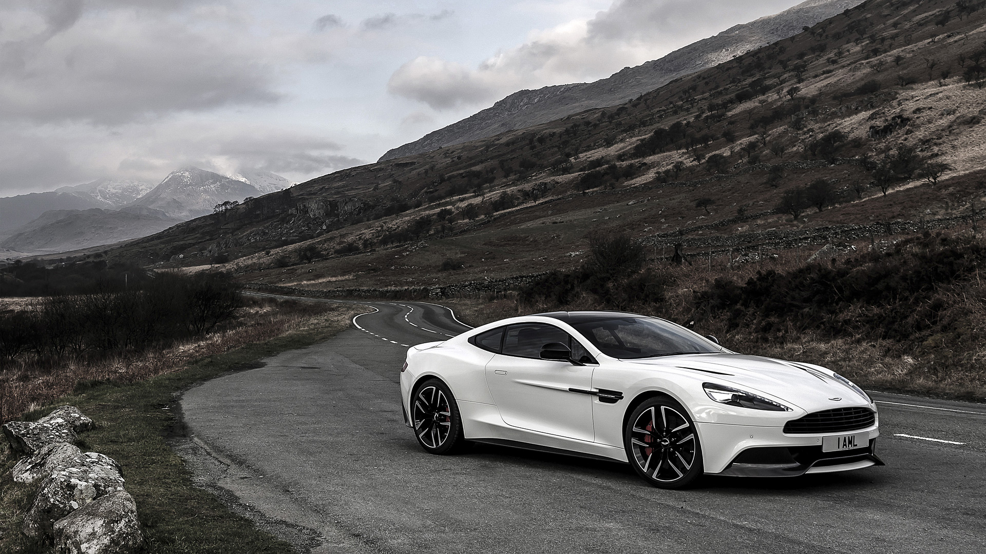 2015 Aston Martin Vanquish Carbon Edition Wallpapers HD Images 1920x1080