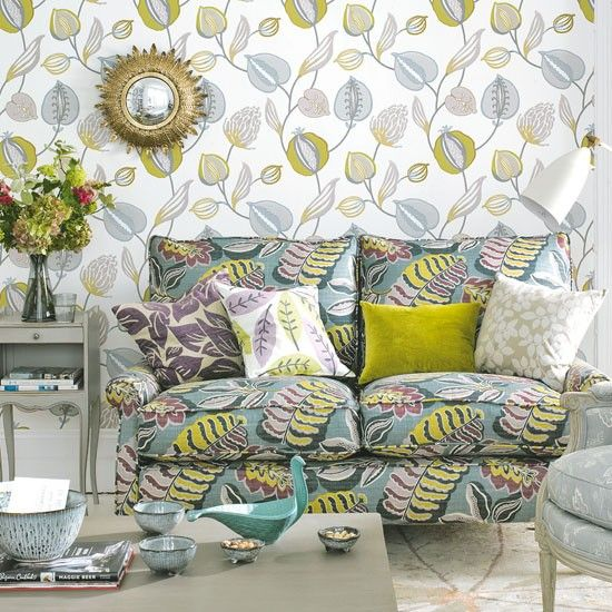 Living room with leaf print wallpaper Spring Board Pinterest 550x550