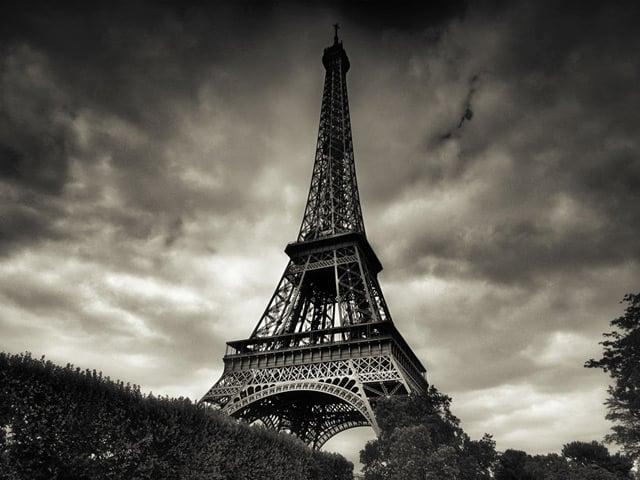 Black And White Paris Wallpaper