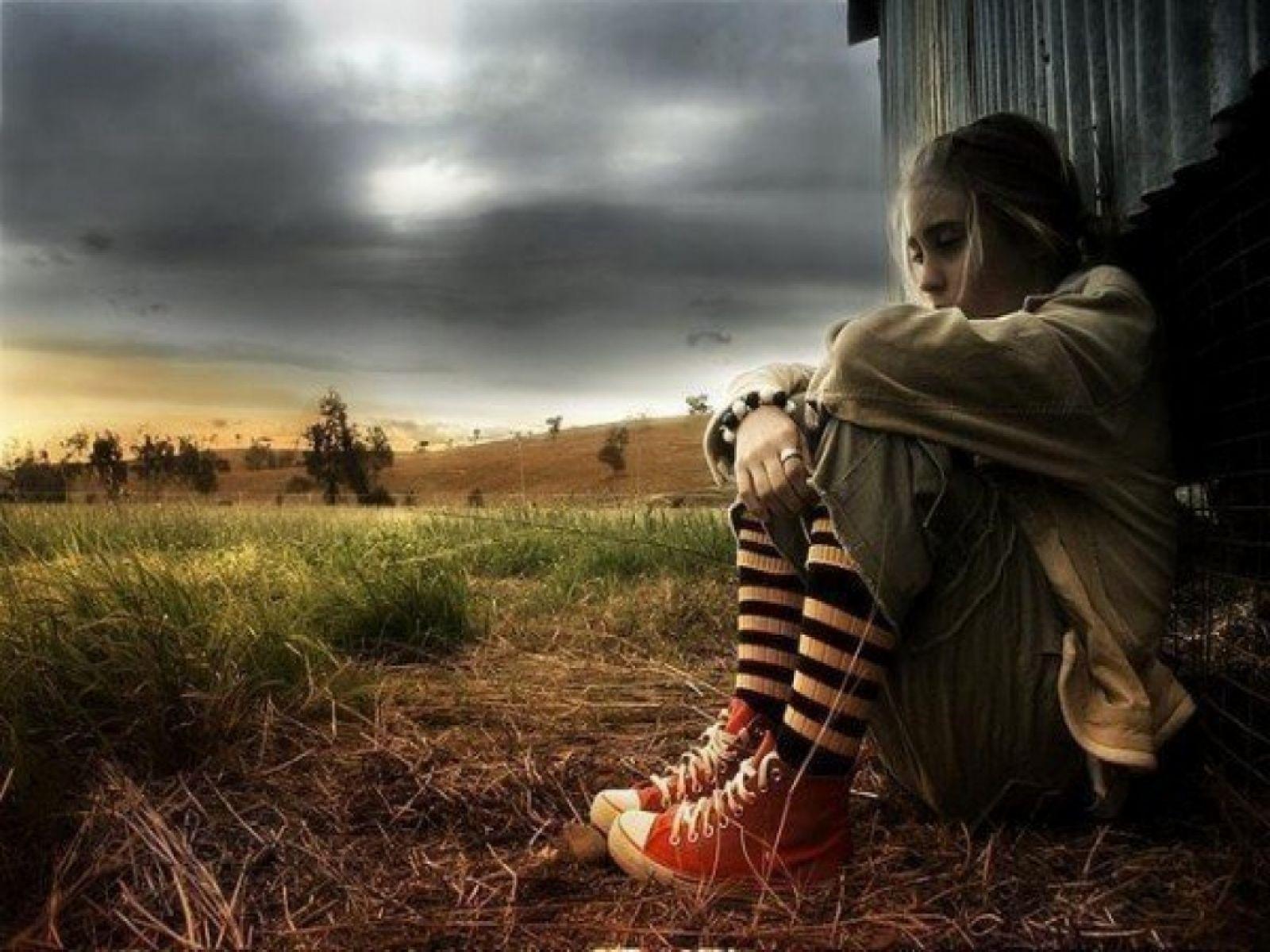 Alone Girl Sad 1600x1200