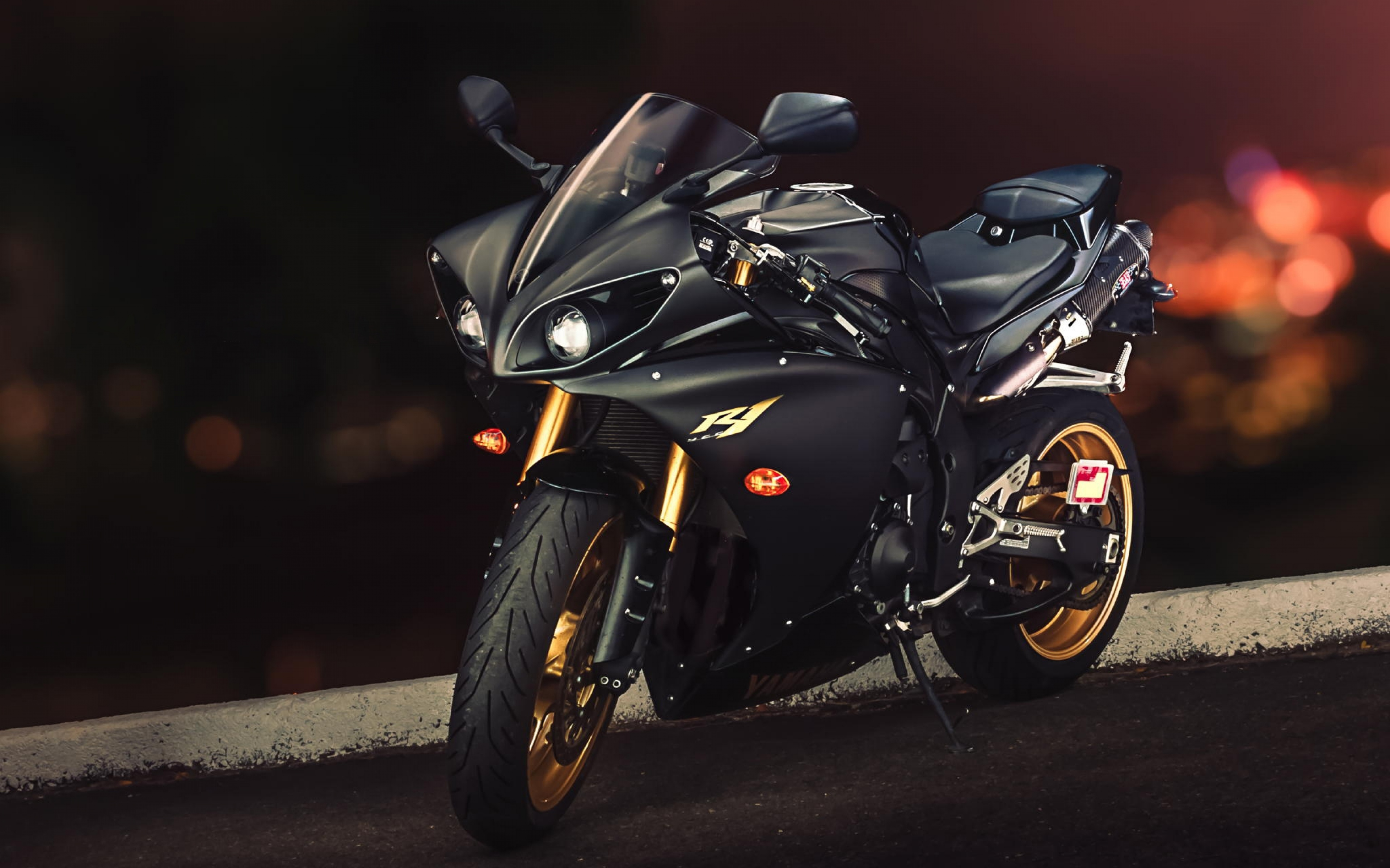 HD Background Yamaha YZF R1 Sport Bike Black And Gold 3840x2400